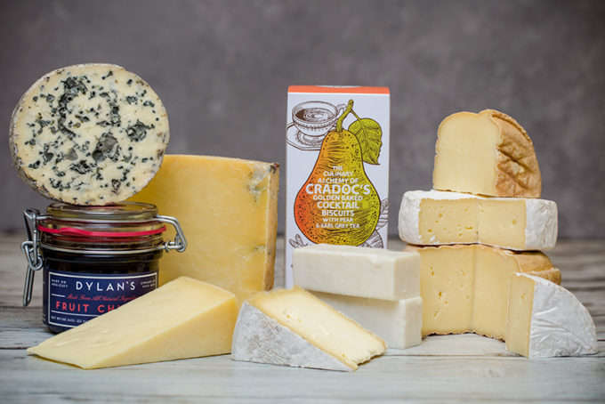 Fine Cheese & Accompaniments Gift Box