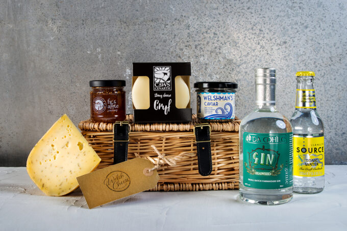 Gin lovers unite for our Seaweed Gin and Cheese Hamper